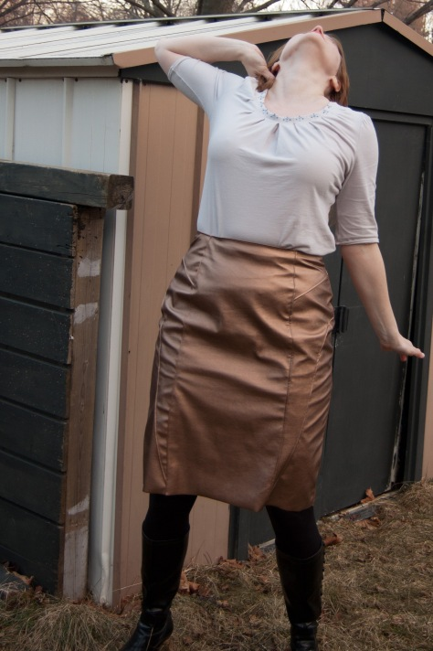 Today's crazy pose courtesy of the poses shown on pp 233-239 of Women in Clothes, which I am still very slowly making my way through. As you can see, the bubbling doesn't go away when I wear it.