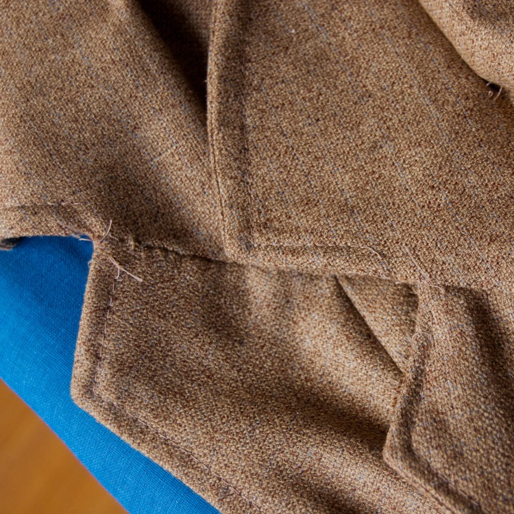 Pad-stitched under collar on the right, non-pad-stitched upper collar on the left. Not bad, eh?
