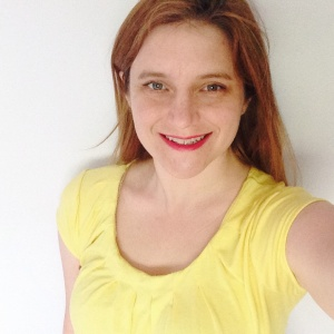 Yellow Butterick t-shirt in cotton knit.