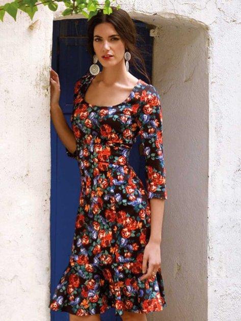 flounce dress model