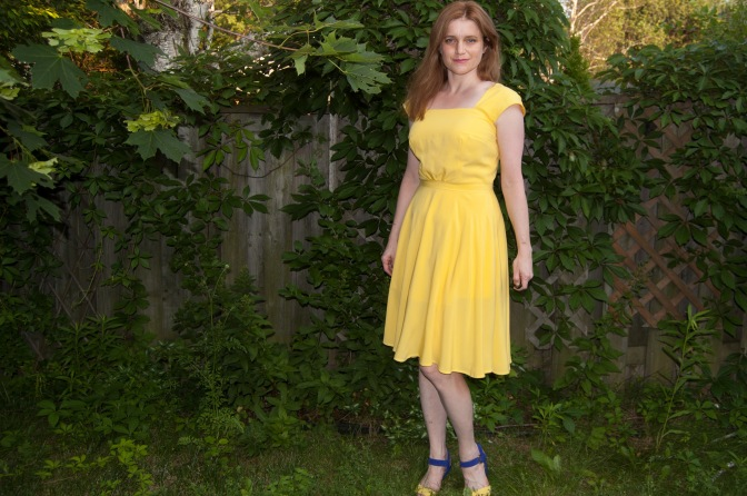 What a Waste of a Lovely Night: The Yellow La La Land Dress